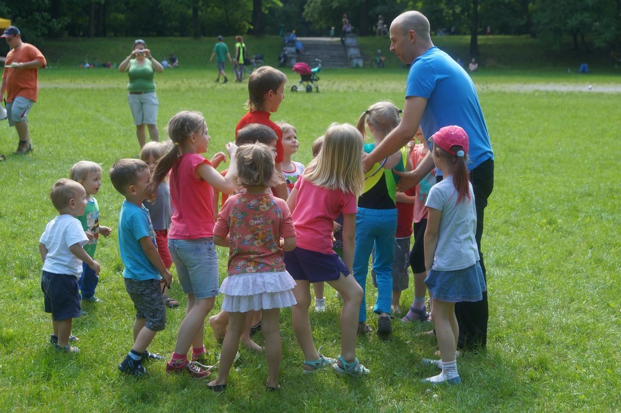 ParkuJeMyEko - joga dla dzieci, gonią